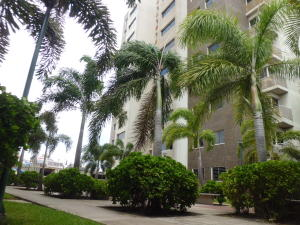 Apartamento En Ventaen Barquisimeto, Parroquia Concepcion, Venezuela, VE RAH: 19-19115