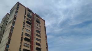 Apartamento En Ventaen Valencia, Los Nisperos, Venezuela, VE RAH: 19-19129