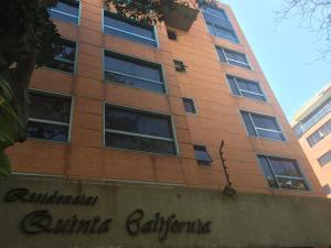Apartamento En Ventaen Caracas, Campo Alegre, Venezuela, VE RAH: 19-19199