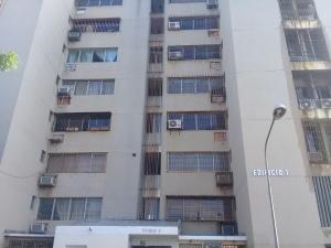 Apartamento En Ventaen Maracaibo, Avenida Goajira, Venezuela, VE RAH: 19-19324