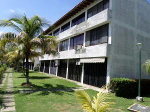 Apartamento En Ventaen Higuerote, Higuerote, Venezuela, VE RAH: 19-19844