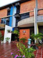 Townhouse En Ventaen Guarenas, Nueva Casarapa, Venezuela, VE RAH: 19-19566