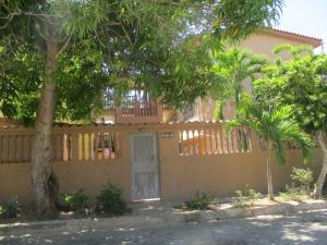 Apartamento En Ventaen Margarita, Pampatar, Venezuela, VE RAH: 19-19638