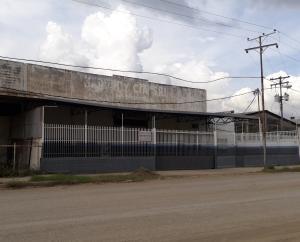Galpon - Deposito En Ventaen Cagua, Carretera Nacional, Venezuela, VE RAH: 20-1305