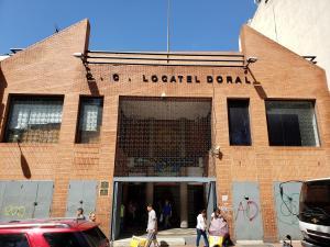 Local Comercial En Alquileren Caracas, Parroquia La Candelaria, Venezuela, VE RAH: 19-19739