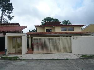 Casa En Ventaen Caracas, Lomas De La Lagunita, Venezuela, VE RAH: 19-19769