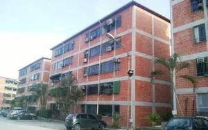 Apartamento En Ventaen Guatire, El Ingenio, Venezuela, VE RAH: 19-19826
