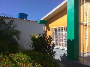 Casa En Ventaen Municipio Diego Ibarra, Mariara, Venezuela, VE RAH: 19-19843