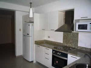 Apartamento En Alquileren Maracaibo, Avenida El Milagro, Venezuela, VE RAH: 19-19897