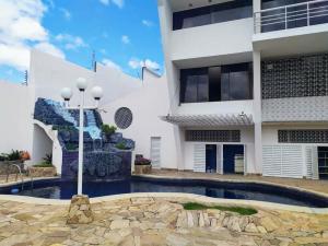 Casa En Ventaen Barquisimeto, Monte Real, Venezuela, VE RAH: 20-3144