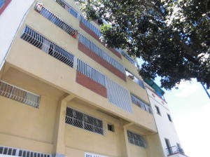 Apartamento En Ventaen Caracas, Parroquia Santa Rosalia, Venezuela, VE RAH: 19-19916
