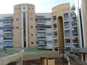 Apartamento En Ventaen Maracay, Las Delicias, Venezuela, VE RAH: 19-19917
