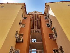 Apartamento En Ventaen Maracay, Coropo, Venezuela, VE RAH: 19-19938