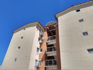 Apartamento En Ventaen Municipio Linares Alcantara, Conjunto Residencial Parque Coropo, Venezuela, VE RAH: 19-19938