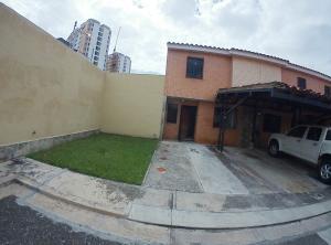 Townhouse En Ventaen Municipio Naguanagua, El Rincon, Venezuela, VE RAH: 19-20006