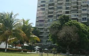 Apartamento En Ventaen Parroquia Caraballeda, Los Corales, Venezuela, VE RAH: 19-19961