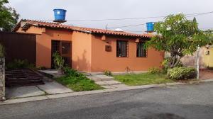 Casa En Ventaen Cabudare, Santa Cecilia, Venezuela, VE RAH: 19-20011