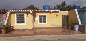 Casa En Ventaen Barquisimeto, Parroquia Tamaca, Venezuela, VE RAH: 19-20182