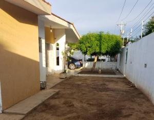 Casa En Ventaen Maracaibo, La California, Venezuela, VE RAH: 19-20058