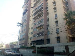 Apartamento En Ventaen Maracay, Urbanizacion El Centro, Venezuela, VE RAH: 19-20113