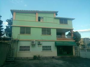 Casa En Ventaen Palo Negro, Los Naranjos, Venezuela, VE RAH: 19-18508