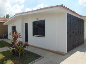 Casa En Ventaen Valencia, Trigal Norte, Venezuela, VE RAH: 20-16