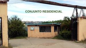 Townhouse En Ventaen Caracas, Caicaguana, Venezuela, VE RAH: 19-20172