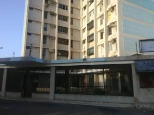 Apartamento En Ventaen Maracaibo, Avenida Goajira, Venezuela, VE RAH: 20-253