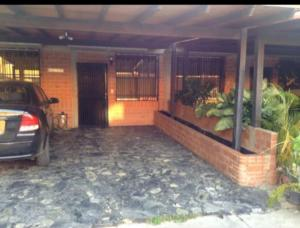 Townhouse En Ventaen Guarenas, Nueva Casarapa, Venezuela, VE RAH: 19-20205
