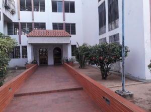 Apartamento En Ventaen Maracaibo, Pomona, Venezuela, VE RAH: 19-20239