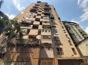 Apartamento En Ventaen Caracas, Parroquia La Candelaria, Venezuela, VE RAH: 19-20240