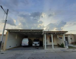 Casa En Ventaen Guacara, Ciudad Alianza, Venezuela, VE RAH: 19-20312
