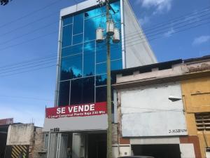 Local Comercial En Ventaen Parroquia Maiquetia, Pariata, Venezuela, VE RAH: 19-20391
