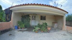 Casa En Ventaen Cabudare, Parroquia José Gregorio, Venezuela, VE RAH: 20-262