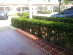 Apartamento En Alquileren Ciudad Ojeda, La N, Venezuela, VE RAH: 19-20457