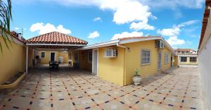 Casa En Ventaen Coro, Parcelamiento Santa Ana, Venezuela, VE RAH: 19-20550