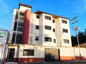 Apartamento En Ventaen Cabudare, La Mata, Venezuela, VE RAH: 20-30