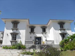 Casa En Ventaen Valencia, Guataparo Country Club, Venezuela, VE RAH: 20-49