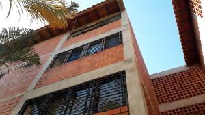 Apartamento En Ventaen Municipio San Diego, Yuma, Venezuela, VE RAH: 20-323