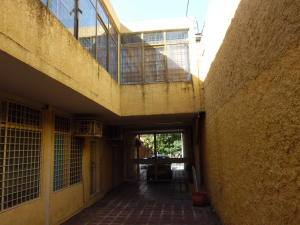 Oficina En Ventaen Cabudare, Centro, Venezuela, VE RAH: 20-715