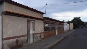 Casa En Ventaen Barquisimeto, Parroquia Juan De Villegas, Venezuela, VE RAH: 20-83