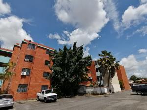 Apartamento En Ventaen Cabudare, La Mata, Venezuela, VE RAH: 20-96