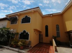 Casa En Ventaen Barquisimeto, Parroquia Concepcion, Venezuela, VE RAH: 20-107