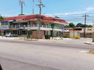 Local Comercial En Alquileren Maracaibo, Avenida Milagro Norte, Venezuela, VE RAH: 20-204