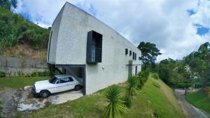 Casa En Ventaen San Antonio De Los Altos, La Suiza, Venezuela, VE RAH: 20-428