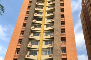 Apartamento En Ventaen Valencia, Las Chimeneas, Venezuela, VE RAH: 20-442