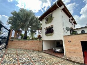 Casa En Ventaen Caracas, Santa Paula, Venezuela, VE RAH: 20-370
