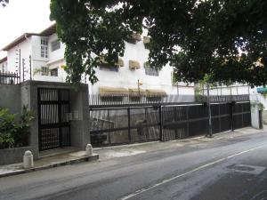Casa En Ventaen Caracas, Colinas De Bello Monte, Venezuela, VE RAH: 20-488