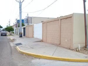 Terreno En Ventaen Maracaibo, Avenida Milagro Norte, Venezuela, VE RAH: 20-438