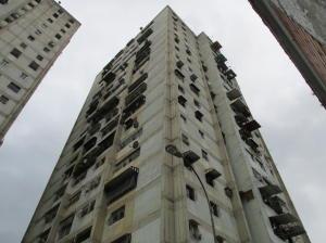 Apartamento En Ventaen Caracas, Caricuao, Venezuela, VE RAH: 20-446